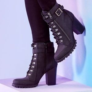 Pracida Lace-up Ankle Bootie